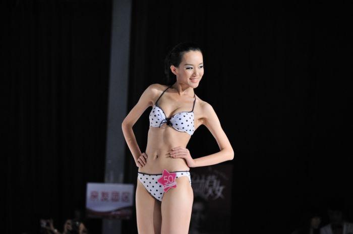 丝绸模特大赛 【BIG APPLE CLUB】昨晚大苹果特邀嘉宾―《丝绸之路模特大赛亚军-DD》精彩